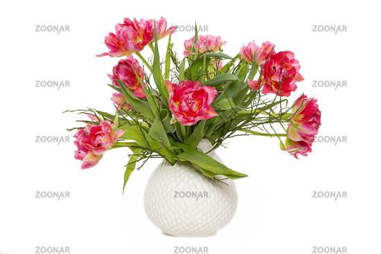 Tulpenstrauß in einer Vase, freigestellt