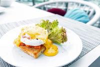 Salmon egg benedict