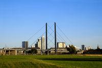 Dusseldorf, Kniebrucke