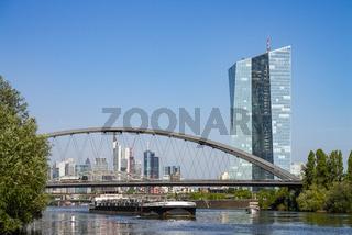 Skyline von Frankfurt mit EZB