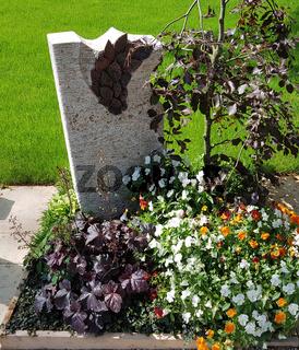 Urnengrab, Grabgestaltung, Grabbepflanzung