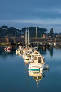 Hafen in der Bretagne in Ploumanach, Frankreich