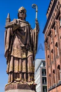 Alte Statue in Hamburg, Deutschland