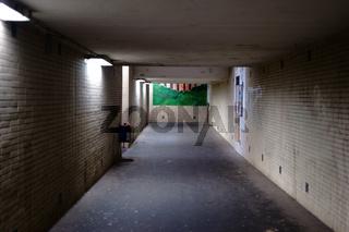 Gekachelter Bahnhofstunnel