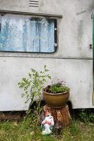 mobile home in garden