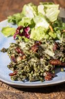 Tiroler Spätzle mit Schinken und Salat
