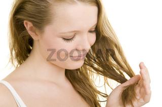 Haarspitzen kontrollieren