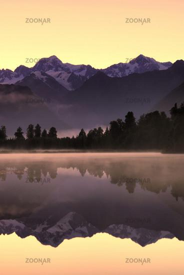 Dawn at Lake Matheson