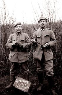 Soldaten in Pose