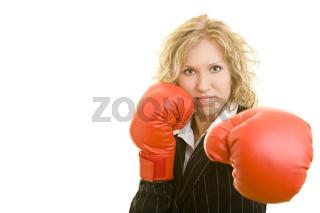 Angriff mit Boxhandschuhen