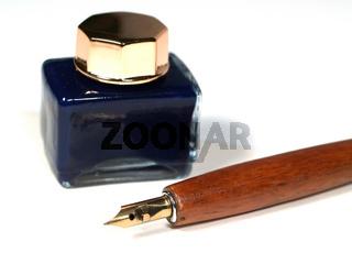 Feder und Tinte   Pen with inkpot