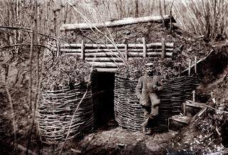 Vor dem Bunker