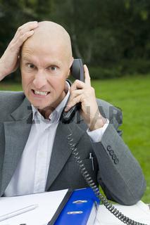 Gereiztheit am Telefon