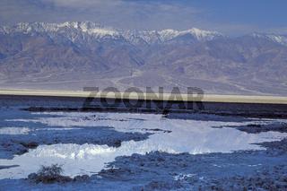 Desert, badwater, salt pool,