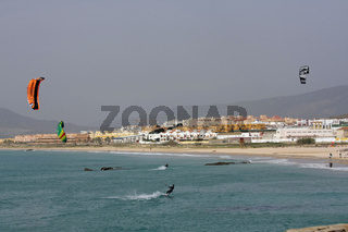 Kite Surfing in Tarifa. Andalusien