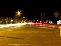 Autobahnkreuz bei Nacht