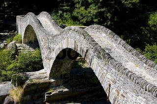 Steinbrücke Ponte dei Salti