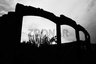 Ruin silhouette | Spukige Ruine