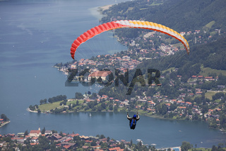 Der Flug in die Tiefe/ Paragliding