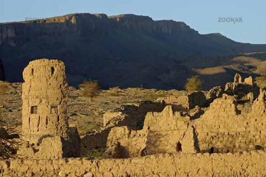 Ruinen des verlassenen Dorfes Tanuf, Oman