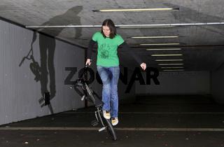 Monika Hinz, BMX Flatland, Trick Gerator