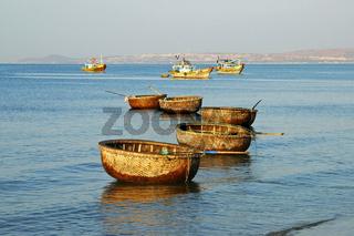 Traditionelle Rundboote, Mui Ne, Vietnam