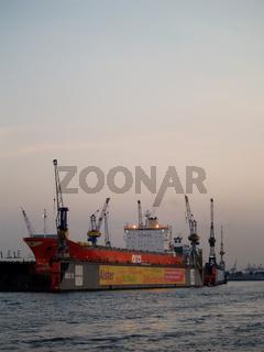 Abendstunde im Hafen, Hamburg