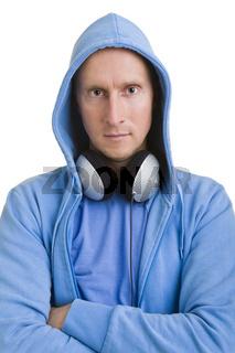 Kapuze und Kopfhörer
