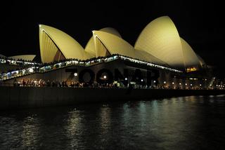 Sydney Opera bei Nacht