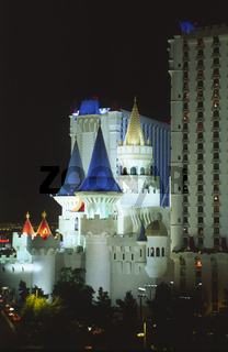 Hotel Excalibur bei Nacht, night, Las Vegas, Nevada, USA