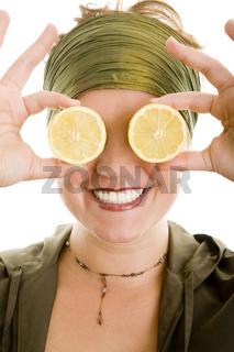 Blick durch Zitronen