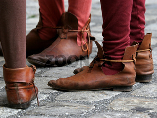 Mittelalterliche Schuhbekleidung/ Old shoes