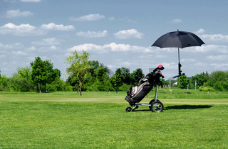 Trolley auf dem Golfplatz