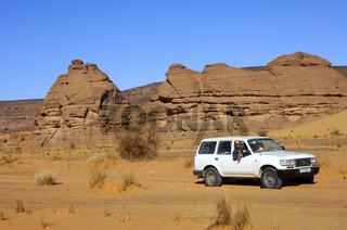 Jeep in der Wüste