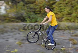 Monika Hinz, BMX Flatland Fahrerin, Peg Wheelie