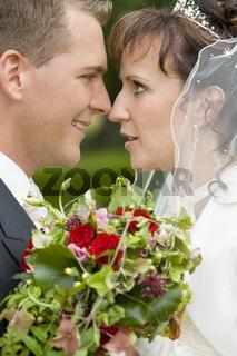Inniges Brautpaar