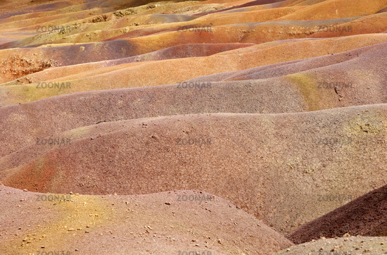Colored earths, Chamarel
