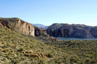 Apache Trail - Canyon Lake