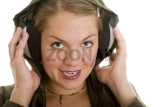 Kopfhörer unter Kapuze