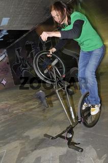 BMX Flatland, Monika Hinz, Trick: Hitchhiker