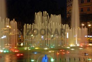 Wasserspiele im Stadtpark Tirana