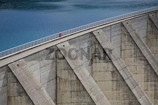 Staumauer/ Artifical lake
