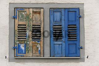 farbige Fensterladen