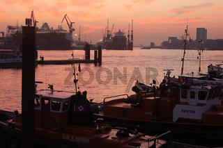 Landungsbrücken,Hamburg,Elbe,