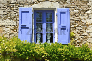 Blaues Fenster, Montsalier, Provence, Frankreich