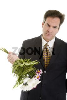 Traurig mit Blumen