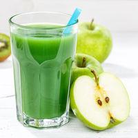 Grüner Smoothie Saft Apfel grün Kiwi Spinat Glas Quadrat Fruchtsaft Frucht Früchte