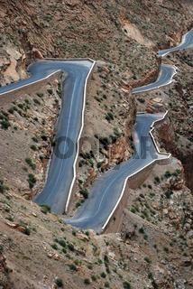 Serpentinen ind der Dades Schlucht, Marokko, Nordafrika