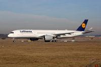 Lufthansa Airbus A350 Flugzeug Flughafen Stuttgart