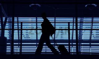 Personen am Flughafen